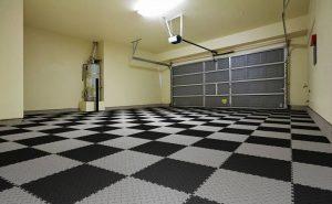 Какую напольную плитку выбрать для гаража?